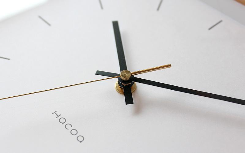 天然木の風合いを楽しめるおしゃれでシンプルな時計「Frame Clock」