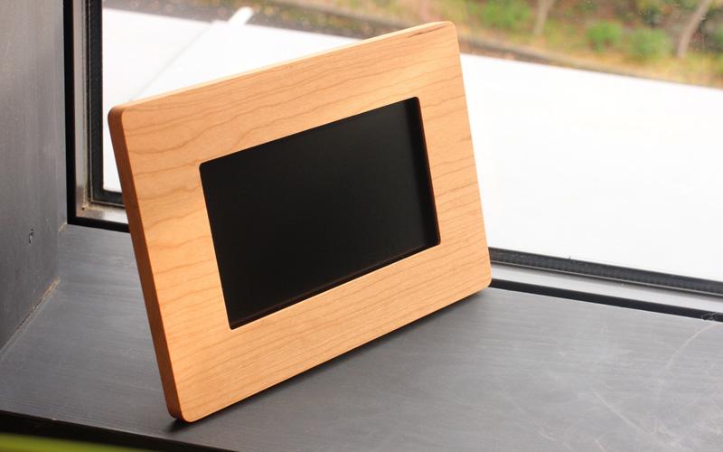 木製デジタルフォトフレーム チェリー