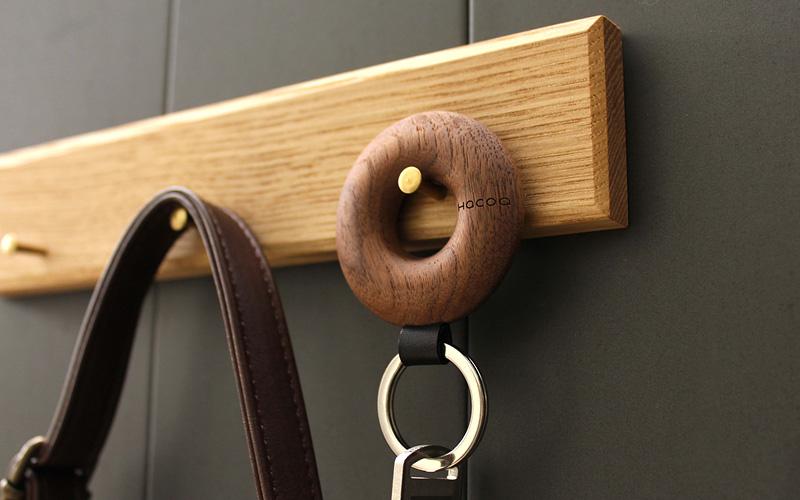 【名入れ可】指に馴染む輪っか型のおしゃれな木製キーホルダー「Keyholder Hoop」