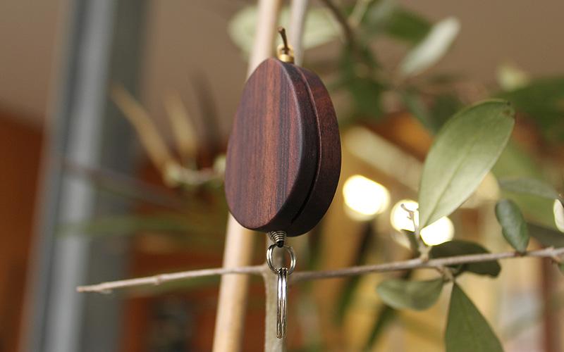 木製リールホルダーにローズウッドが追加