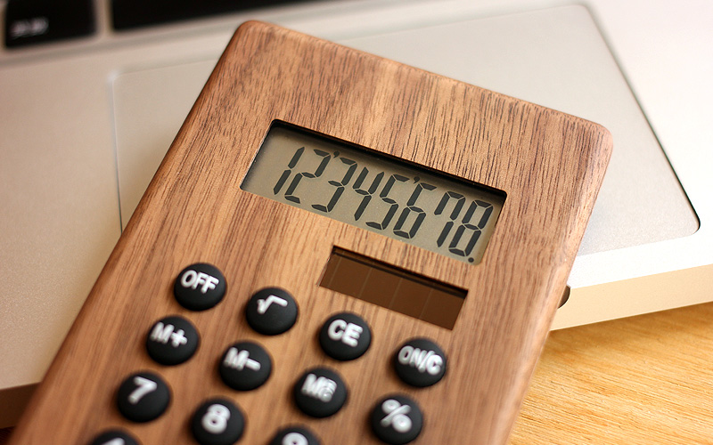 木製ソーラー電卓