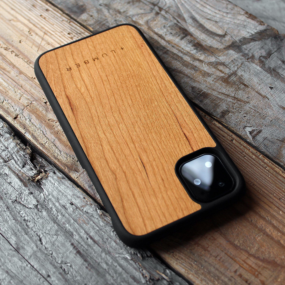 ハードケースと木をプラス、iPhone11専用木製ケース iPhone 11 ALL-AROUND CASE