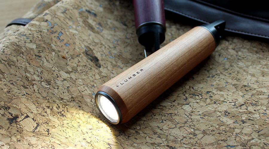 優しい手触り、木の懐中電灯・LEDライト「LED HANDY LIGHT」