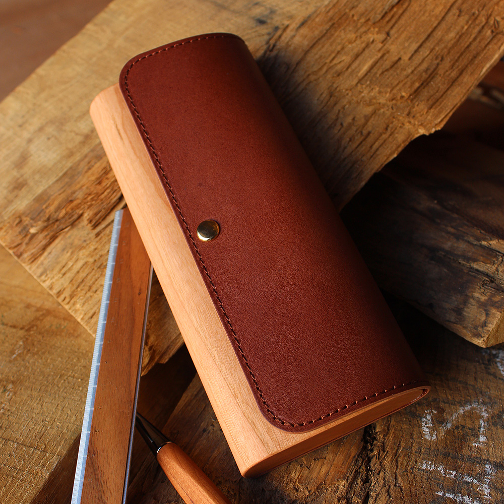 木と牛革を組み合わせたおしゃれな筆箱・ペンケース