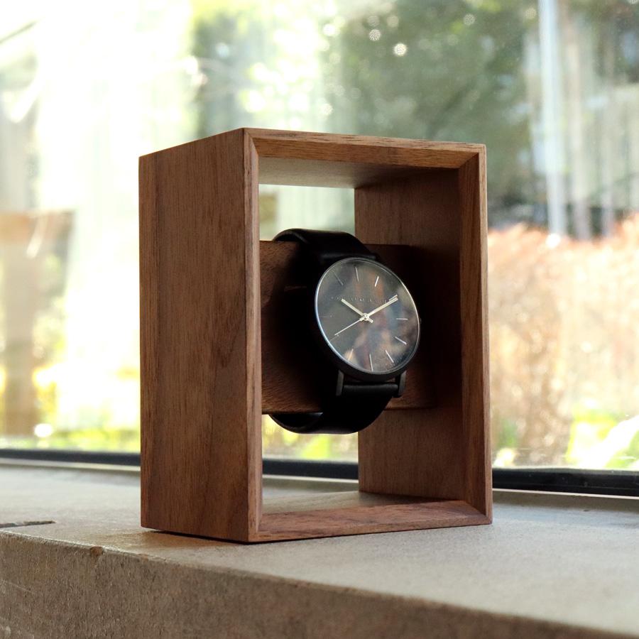 おお客様の気になる商品-木製腕時計スタンド「Display Frame for Watch」
