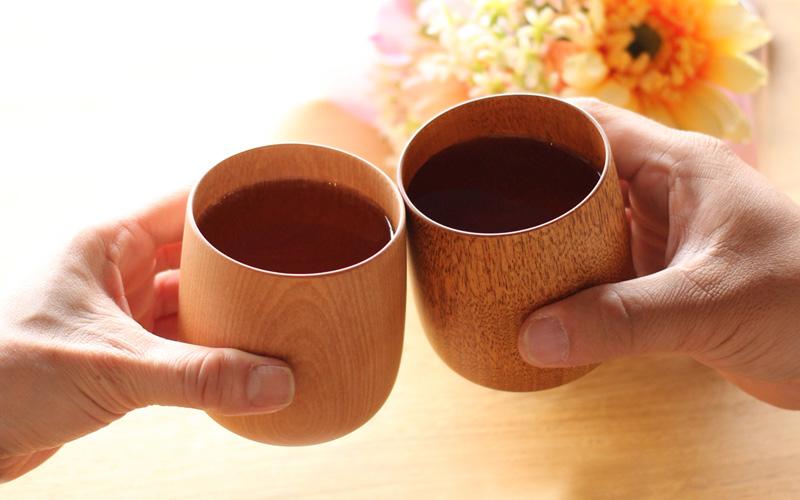 日本の伝統が生み出す現代的な美しいコップ「YUKI(国産水目桜)」