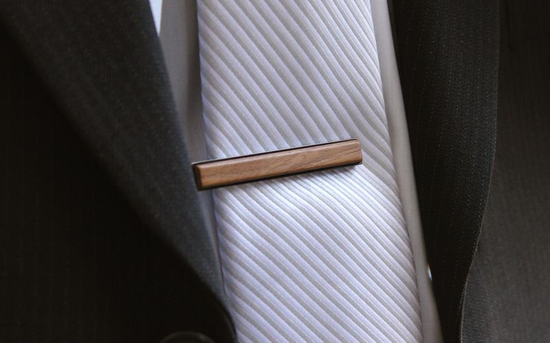 「TIE PINS」本物の木を組み合わせたおしゃれな木製ネクタイピン