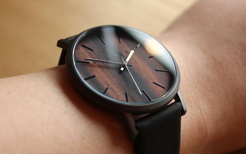 「WATCH 1100」文字盤に本木目を使用した美しいシンプルな腕時計/メンズ/レディース