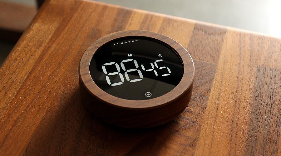 大型ディスプレイでわかりやすいデジタルキッチンタイマー、カウントダウン・カウントアップタイマーで99分55秒まで計測できます。