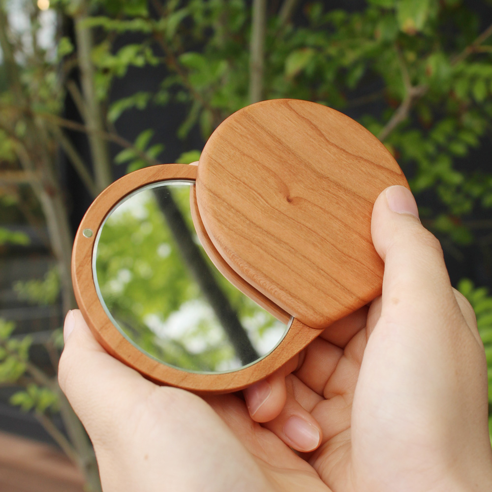 「Compact Mirror」おしゃれでかわいいコンパクトな木製スライドミラー