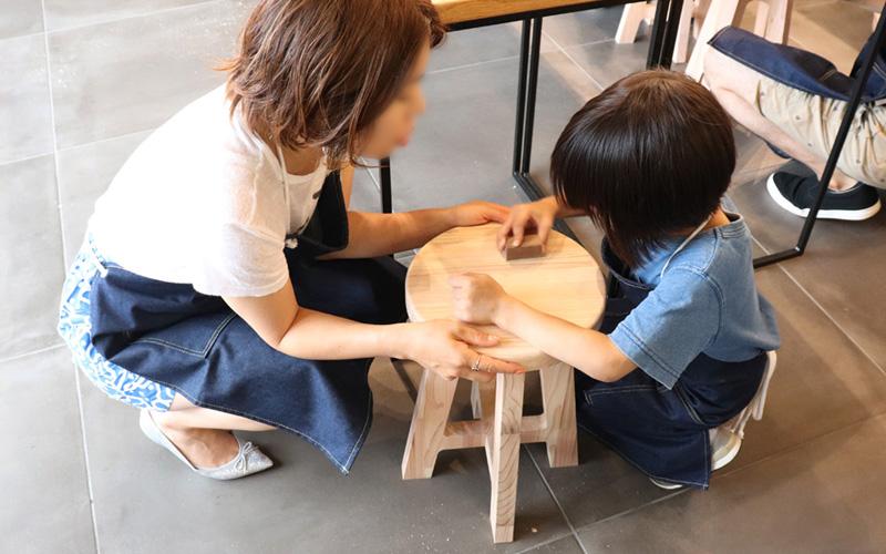 ワークショップ-木製丸スツール